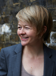 Image of author Sarah Waters