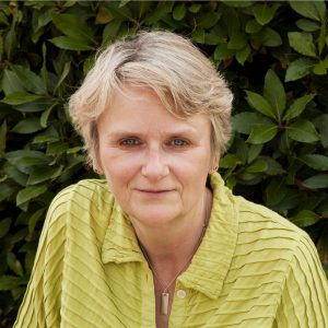 Updated Image Of Author Lesley Thomson - March 2018
